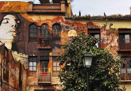 ruta de arte urbano en el barrio del Realejo de Granada con itinerarius.com