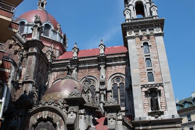 Descubre el centro histórico de Oviedo y la Catedral de la mano de un guía oficial de turismo con itinerarius.com