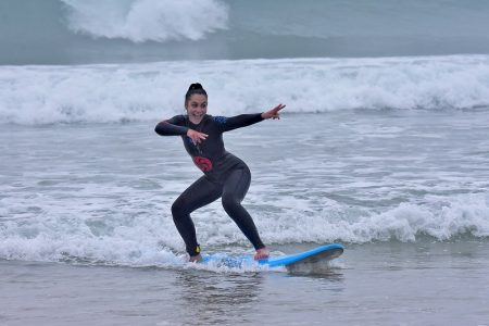 learn to surf in Cantabria with itinerarius.com