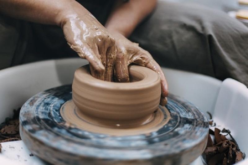 ceramic workshop in Granada